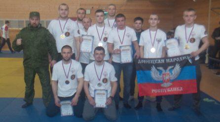 Спортсмены ДНР взяли шесть золотых медалей на международном турнире по боевому самбо