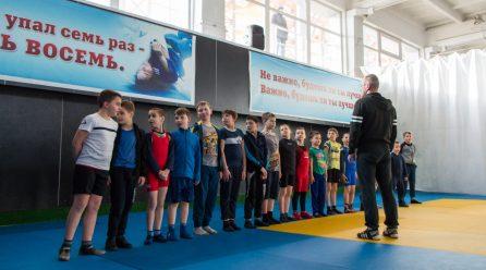 Спортивный клуб армии поздравил будущих защитников Республики