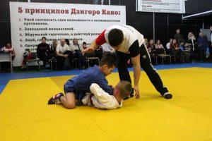 На турнире по боевому самбо 16 февраля будут отобраны кандидаты в сборную ДНР