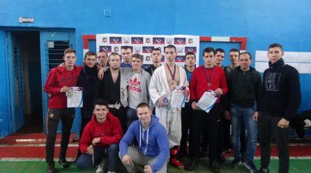 Спортсмены-армейцы получили награды на Кубке и первенстве ДНР по боевому троеборью