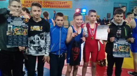 В Енакиево прошли Открытые Республиканские соревнования по борьбе