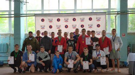В Донецке состоялись Чемпионат ДНР по самбо и Республиканские соревнования по боевому самбо